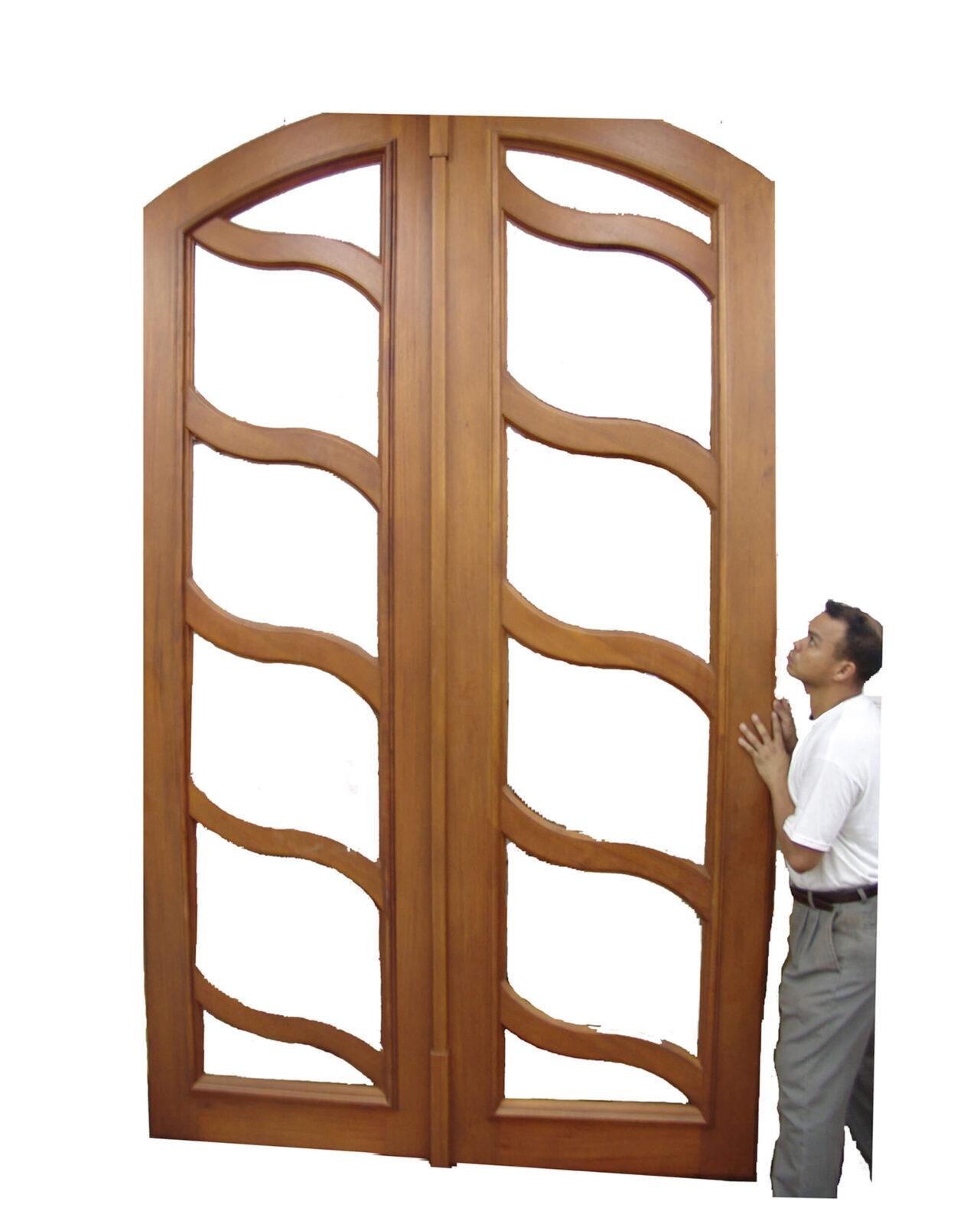 TRINIDAD MAHOGANY DOORS. MANUFACTURING VIEW.