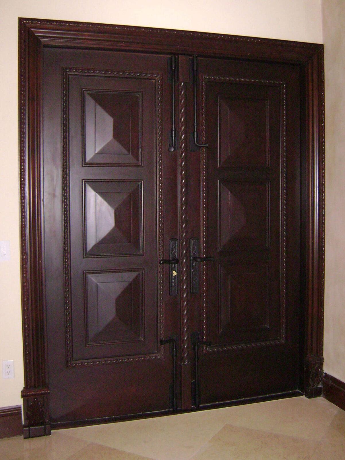 COCONUT CREEK. MAHOGANY FRONT DOOR INTERIOR.