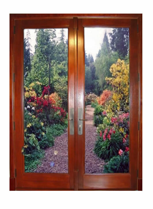 TRADITIONAL FRENCH DOOR.