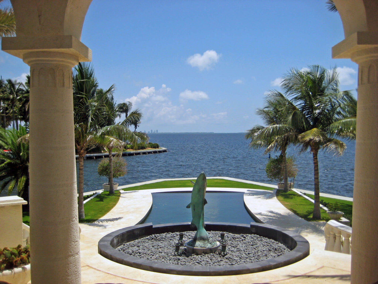 CORAL GABLES RESIDENCE.