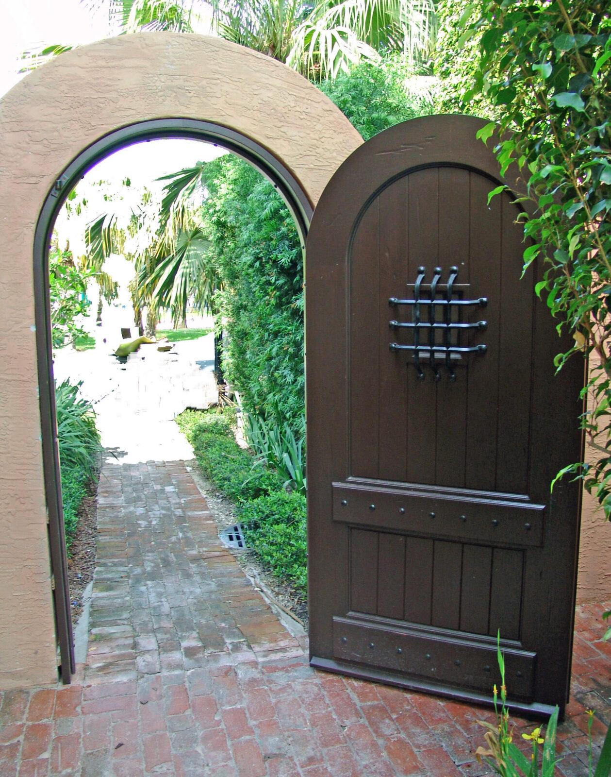 PALM ISLAND GATE SIDE DOOR.