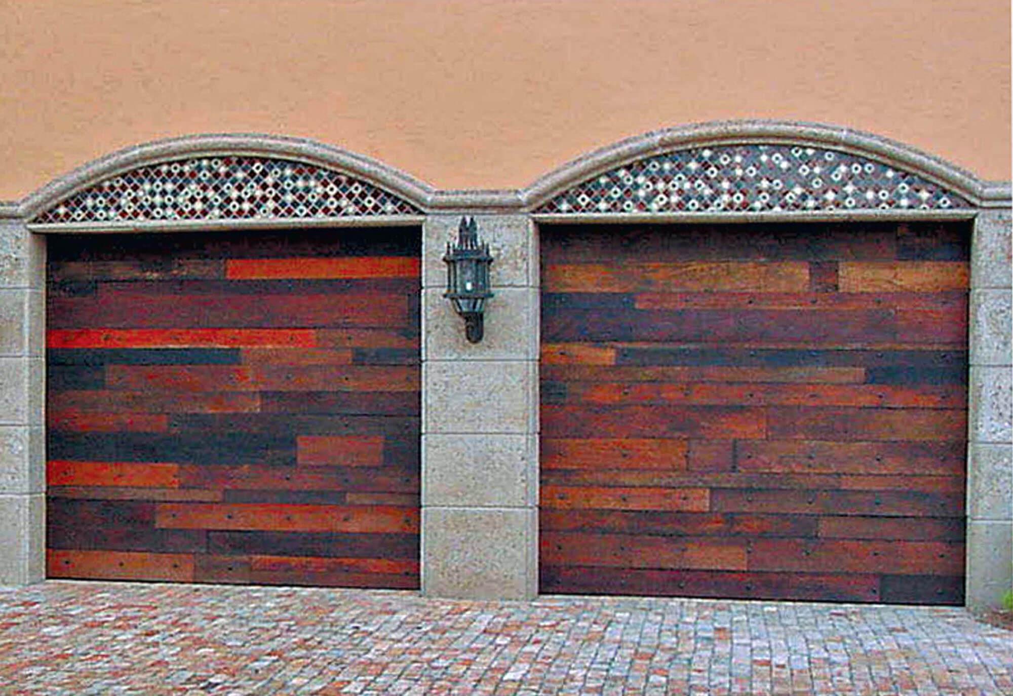 LANTANA GARAGE DOORS.
