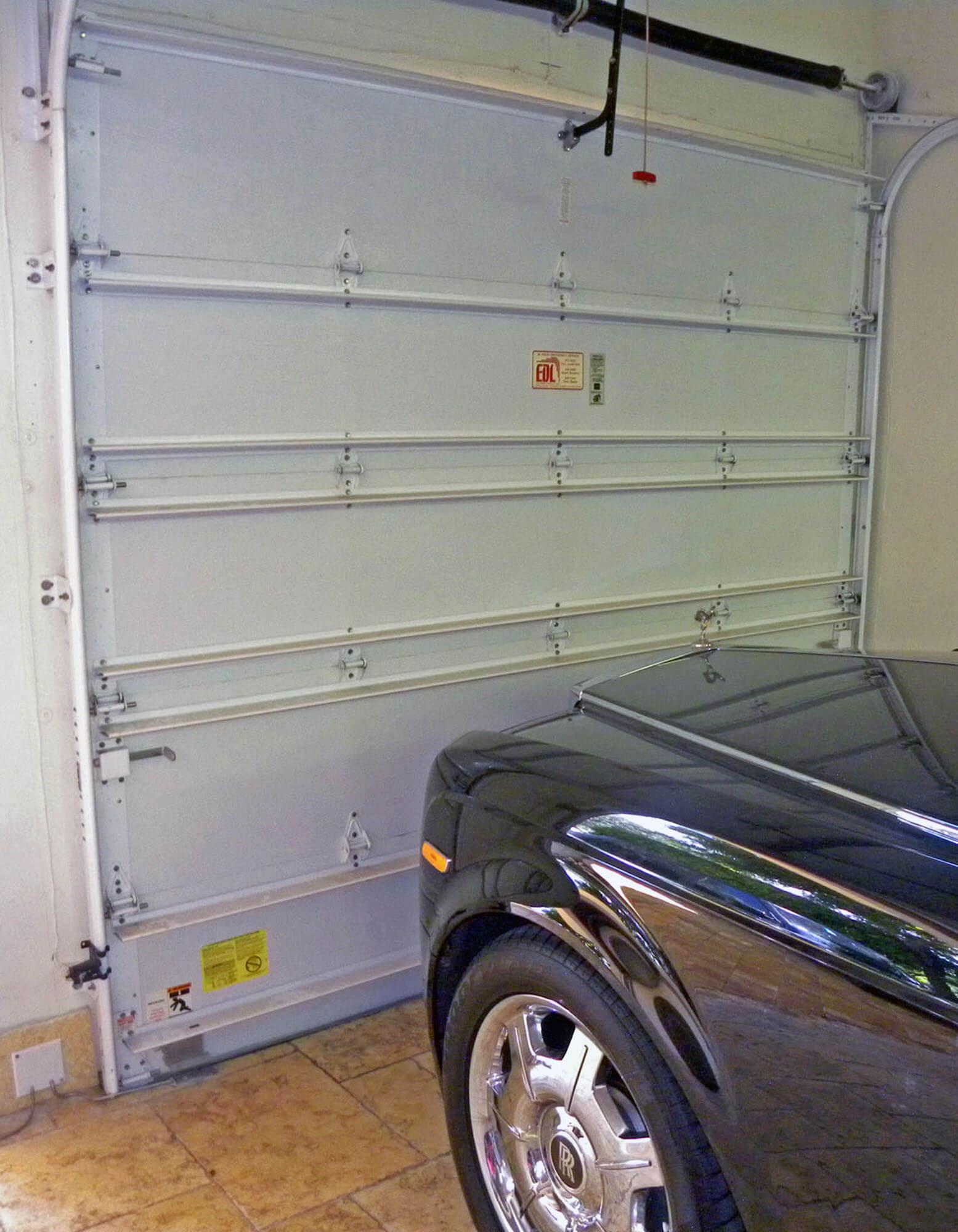 LAS OLAS INTERIOR OF GARAGE DOOR