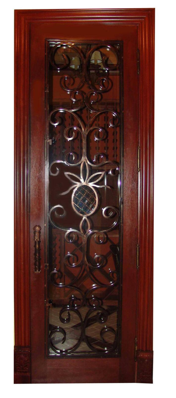 WINE CELLAR DOOR.