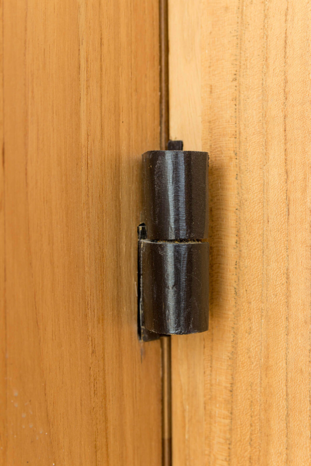 TEAK DOORS DETAIL OF HINGES.