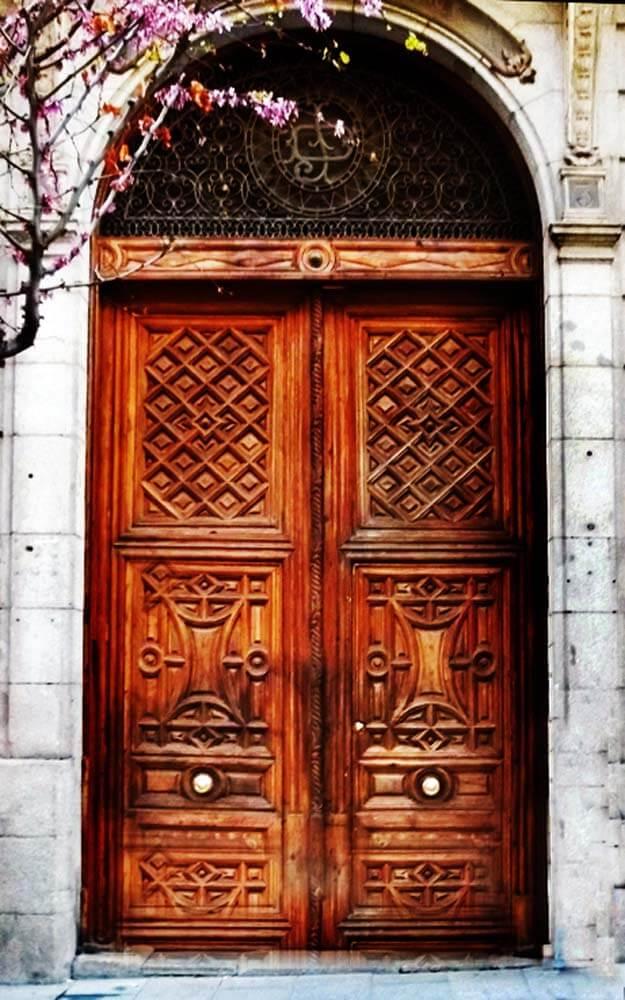 BARCELONA DOOR.