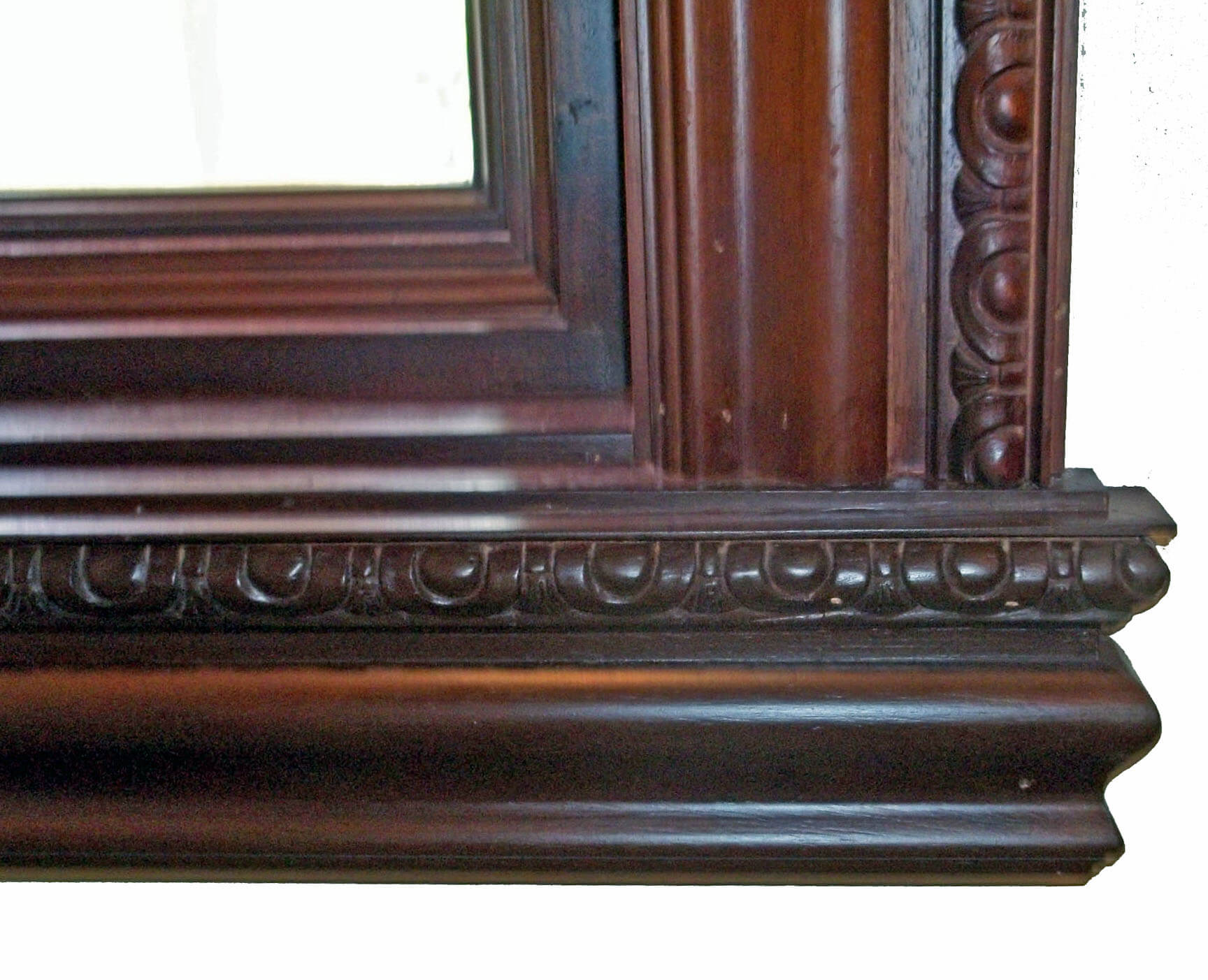 ROYAL 5 CARVED WITH SILL
