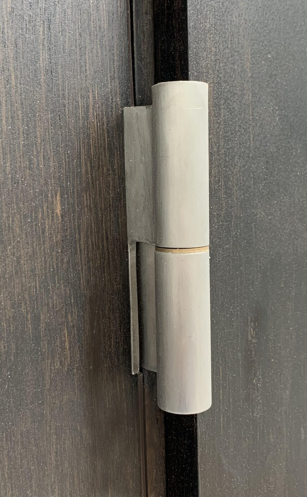 STAINLESS STEEL FRANKFURT BRUSHED HINGE WITHOUT FINIAL