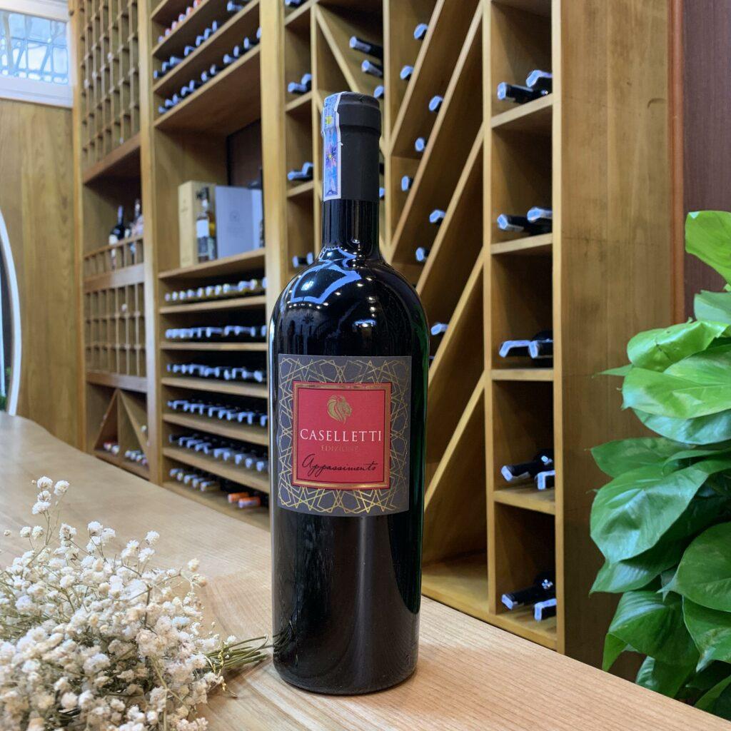 R.V Caselletti 15% (trong thùng gỗ 6 chai)