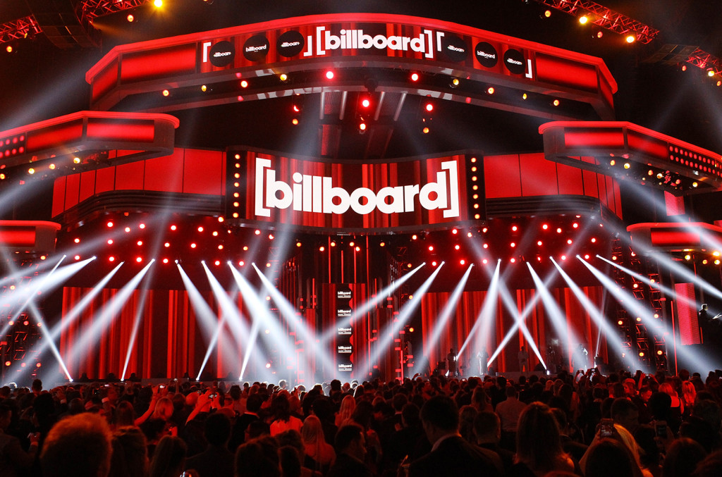 billboard-music-awards-atmosphere-stage-billboard-1548