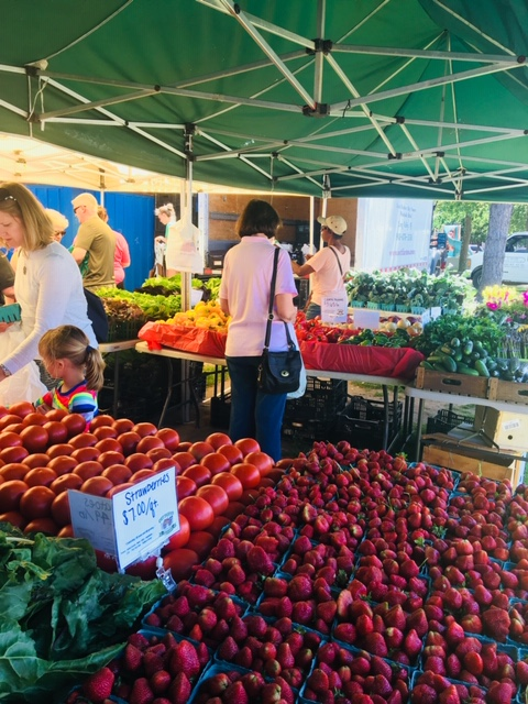 Come support the Bayonne's Farmers Market every Tuesday! Please wear your mask and practice social distancing.