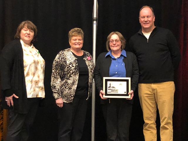 Barb Belmar receives Outstanding Manager Award from McDonald's