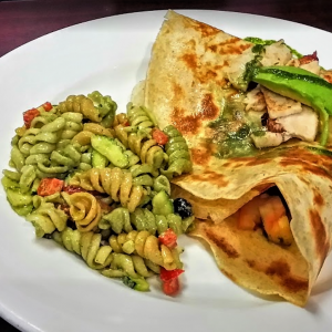 Crepe California style with turkey and avocado