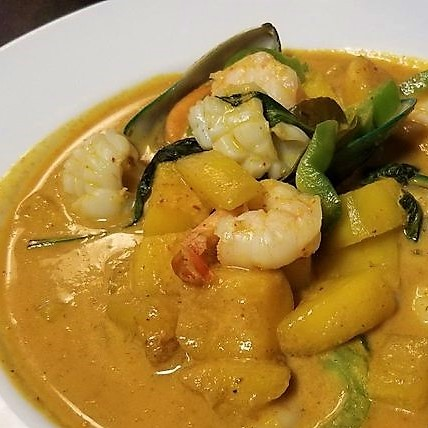 Mango curry seafood Thai special dish