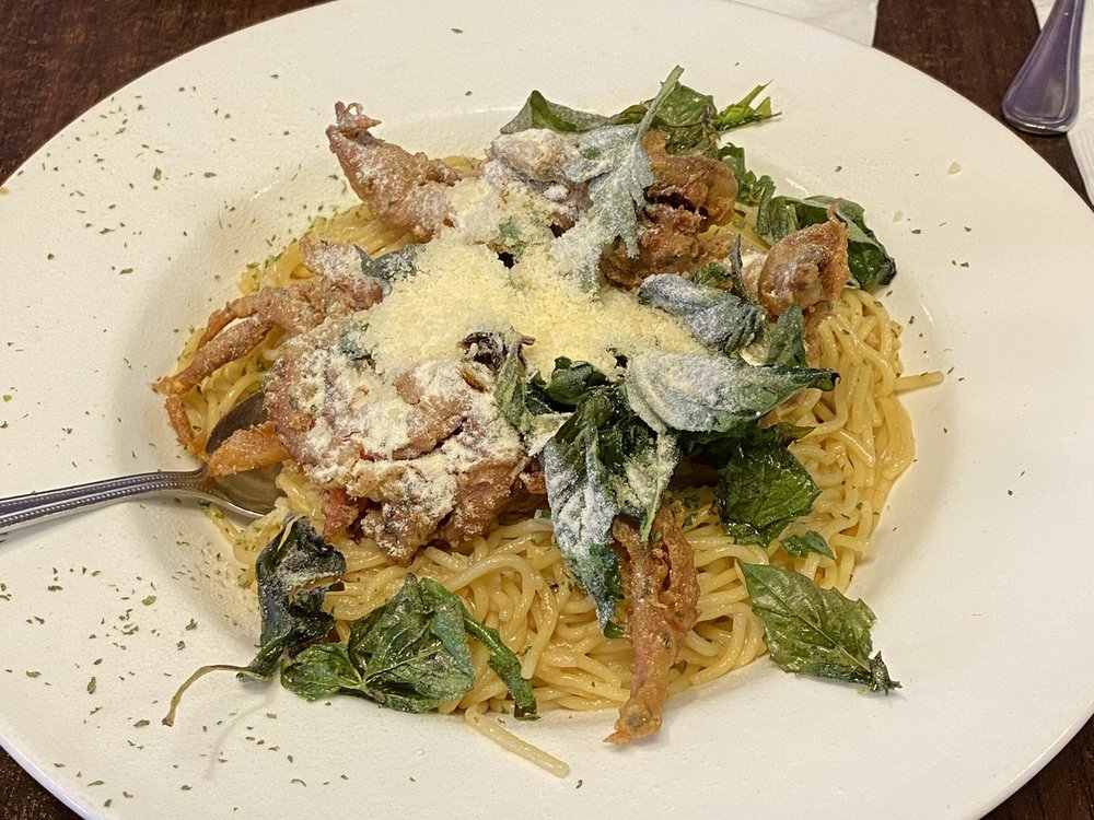Soft shell crab garlic noodle
