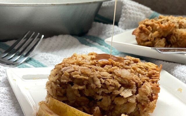Caramelized Pear Baked Oatmeal