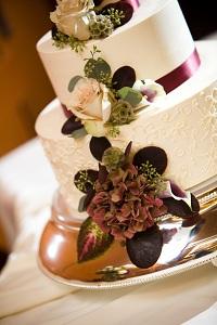 wedding-cake-fall-flowers