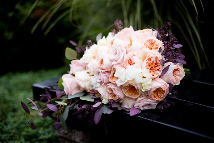 juliet-garden-rose-cascading-bouquet