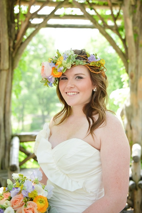 Large bridal floral crown with garden roses and ranunculus