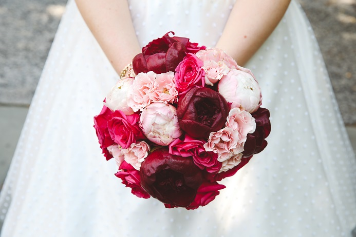 pink-burgundy-peony-bouquet