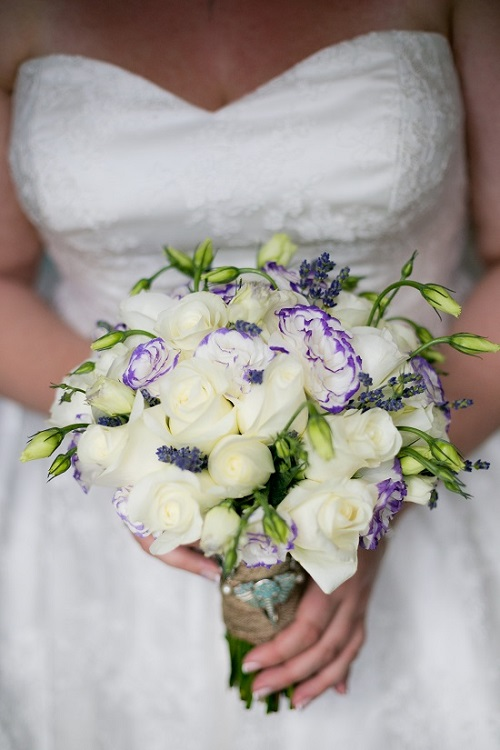 purple-white-brida-bouquet