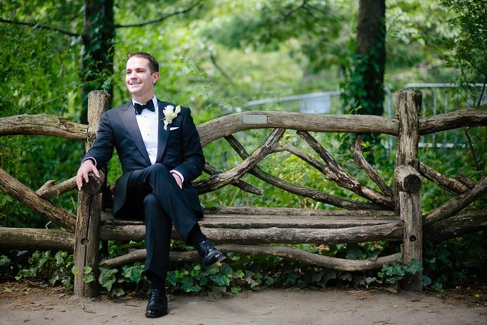 groom-portrait-shakespeare-garden