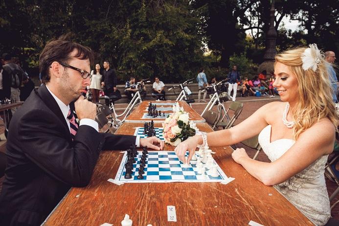bethesda-fountain-wedding-photos-chess