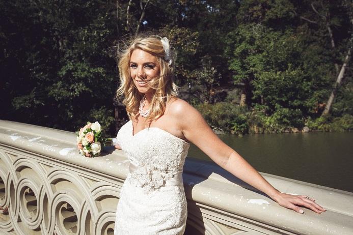 bow-bridge-central-park-bridal-portrait