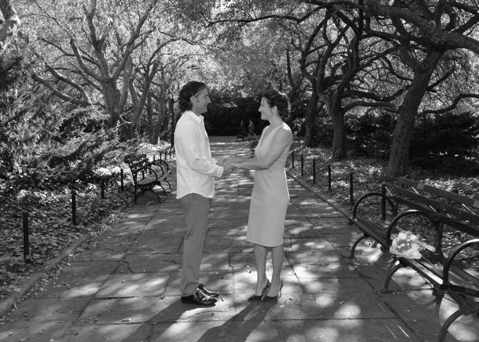 conservatory-garden-wedding-photos-walkway