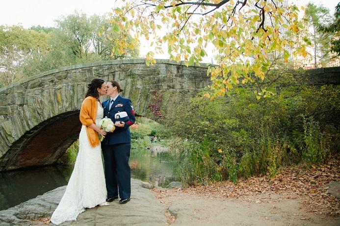 fall-in-central-park-wedding-gapstow-bridge