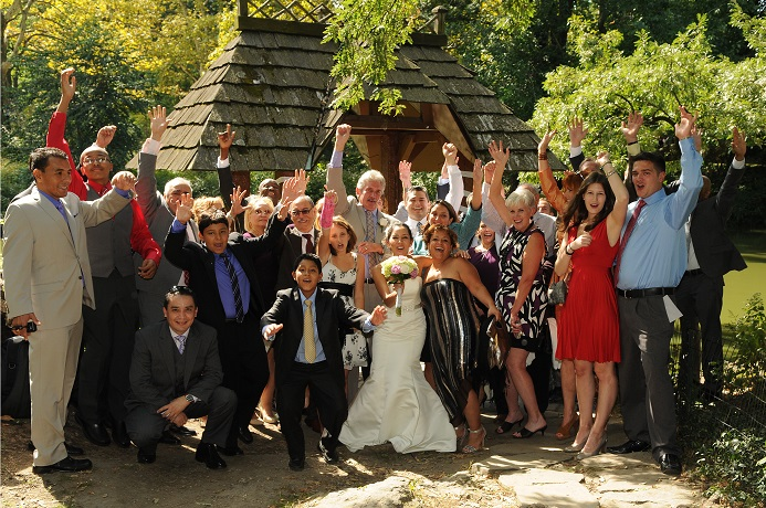 wagner-cove-wedding-group-photo