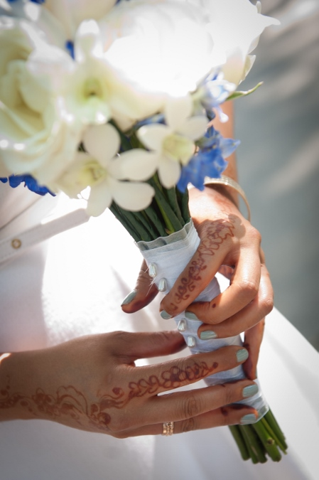 bridal-flower-detail-white-blue