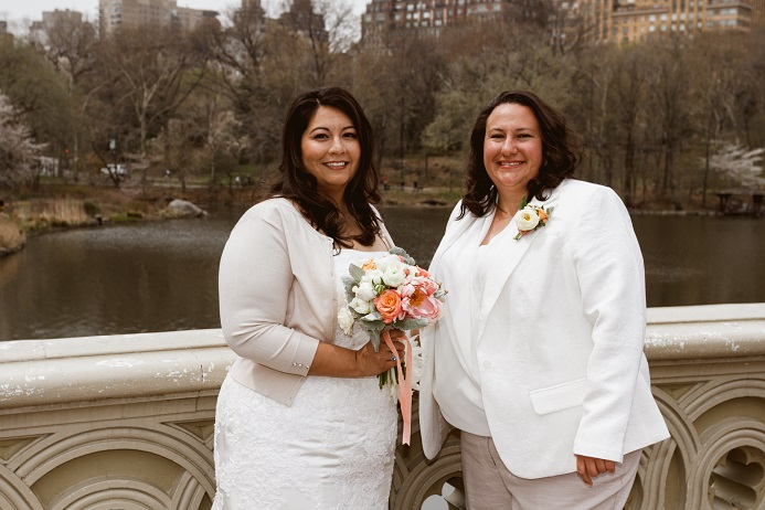 bow-bridge-central-park-spring-wedding