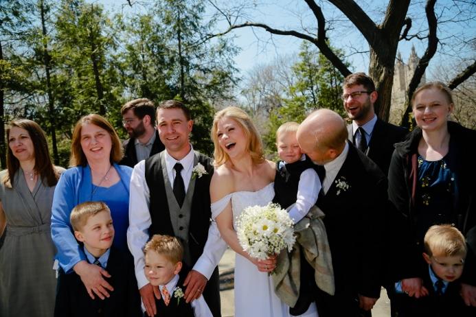 group-photo-central-park-wedding-shakespeare-garden