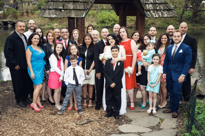 group-photo-wedding-wagner-cove-central-park
