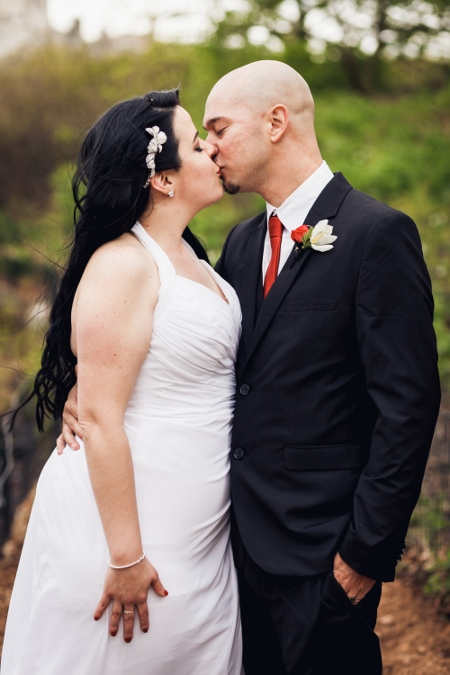 newlyweds-central-park-wedding-wagner-cove