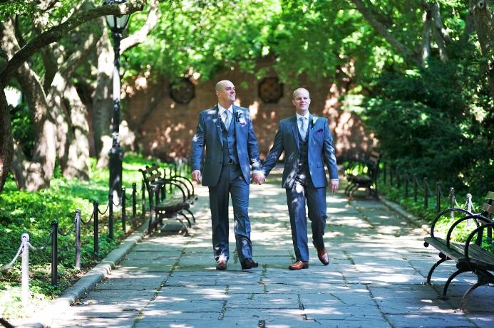 conservatory-garden-wedding-at-wisteria-pergola-19
