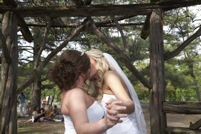 spring-wedding-at-cop-cot (15)