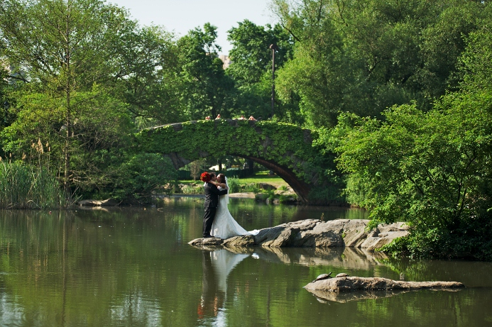 spring-wedding-at-wagner-cove-central-park-4