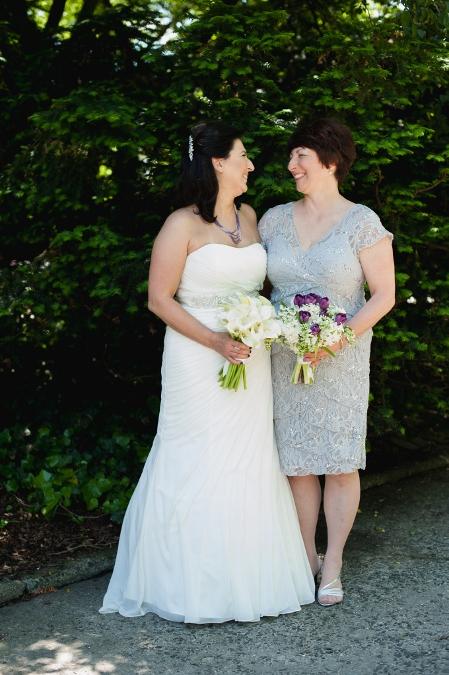 spring-wedding-at-wisteria-pergola (13)