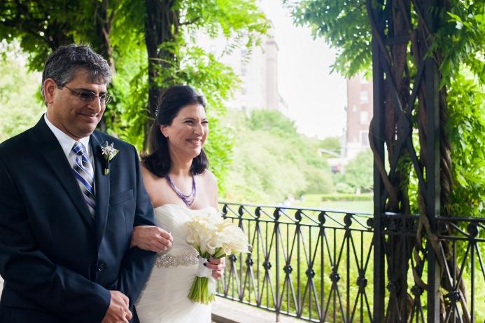 spring-wedding-at-wisteria-pergola (17)