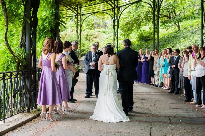 spring-wedding-at-wisteria-pergola (18)