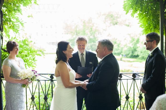spring-wedding-at-wisteria-pergola (22)