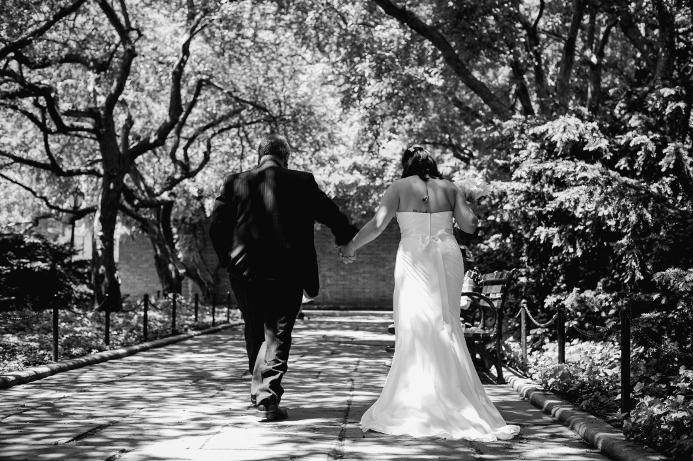 spring-wedding-at-wisteria-pergola (6)