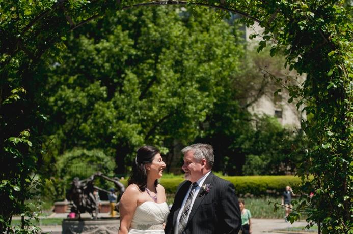 spring-wedding-at-wisteria-pergola (8)