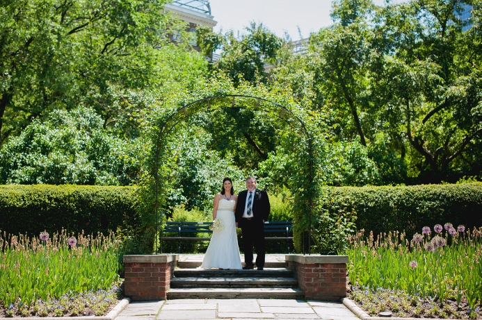 spring-wedding-at-wisteria-pergola (9)