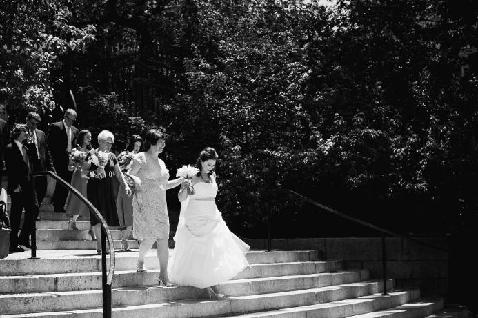 spring-wedding-at-wisteria-pergola