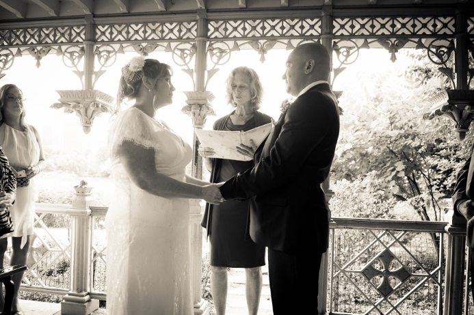 summer-wedding-at-ladies-pavilion (12)