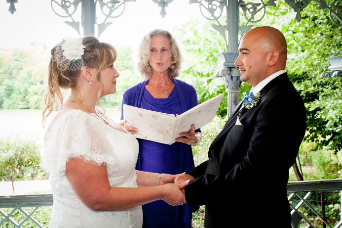 summer-wedding-at-ladies-pavilion (15)