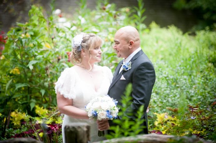 summer-wedding-at-ladies-pavilion (9)